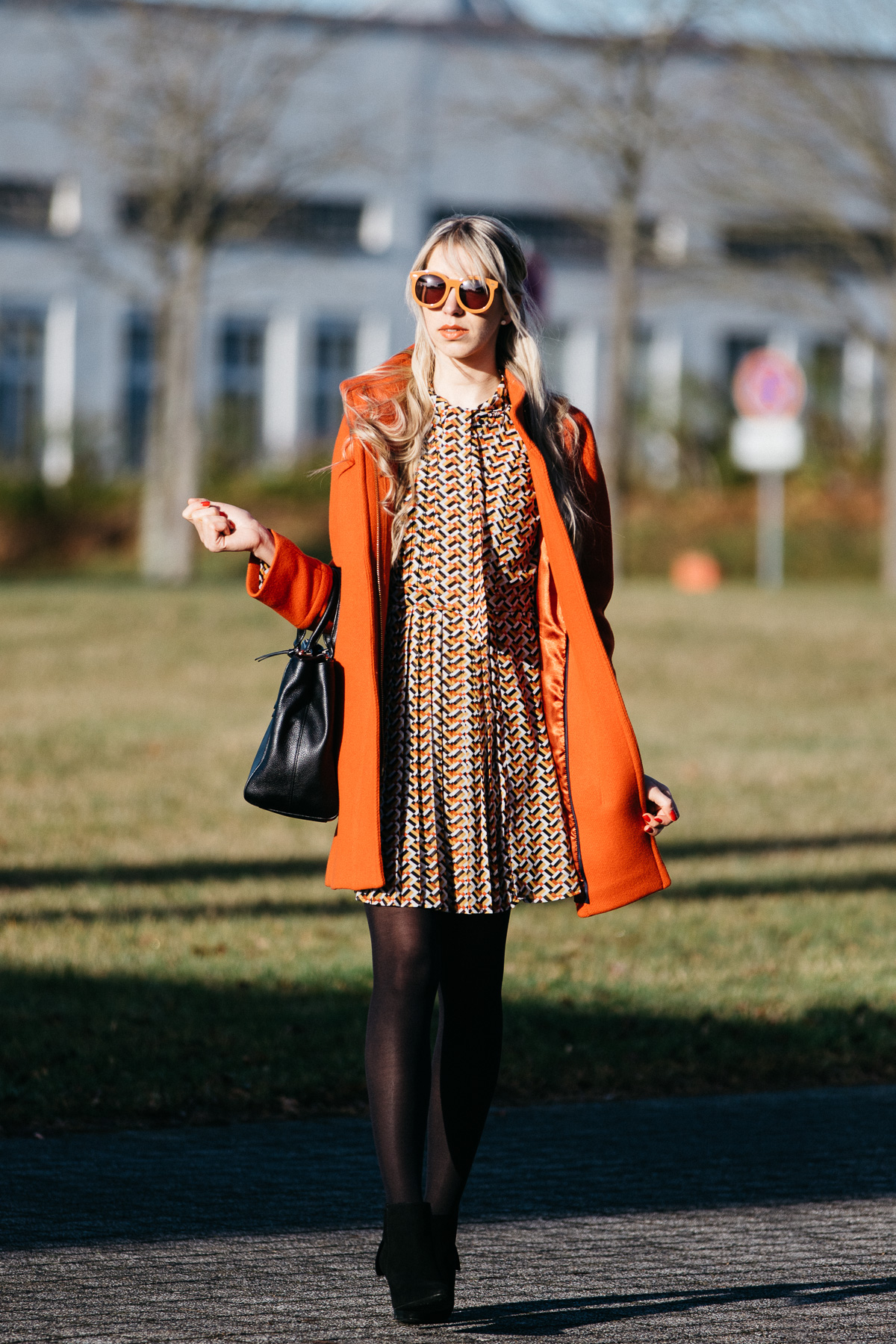 Modetrends 2017 Blogger Blog Deutscher Modeblog Fashionblogger Trends Frisurentrends J.Crew Cocoon Coat Pepe Jeans Kleid 70er Karen Walker Super Duper Sunglasses Kate Spade Tasche Kiomi Stiefeletten mit Schleife Veloursleder