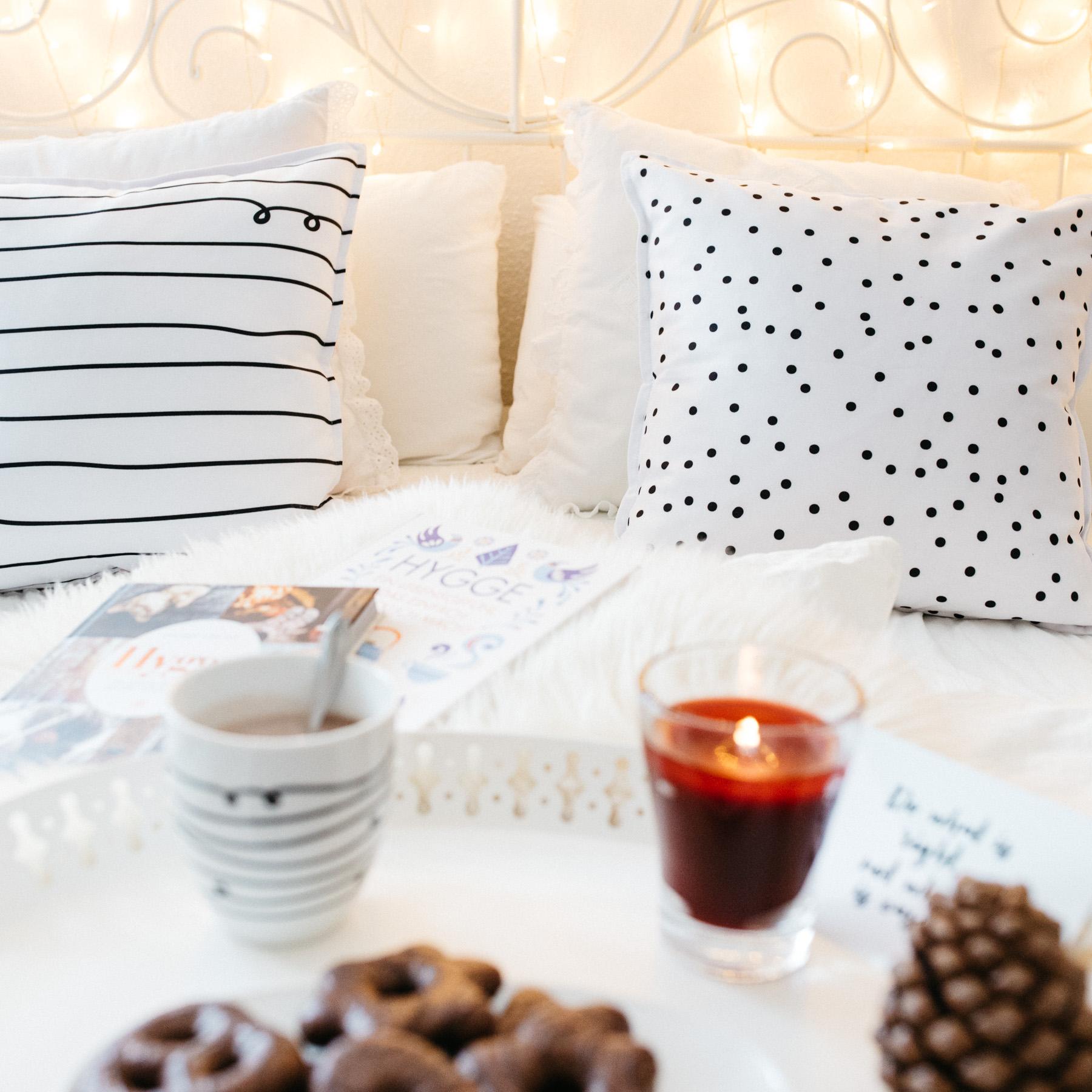 hygge die d nische art gl cklich zu leben. Black Bedroom Furniture Sets. Home Design Ideas