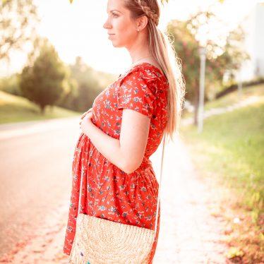 Schwangerschaftslook –  Rotes Kleid + Was kommt in meine Kliniktasche?