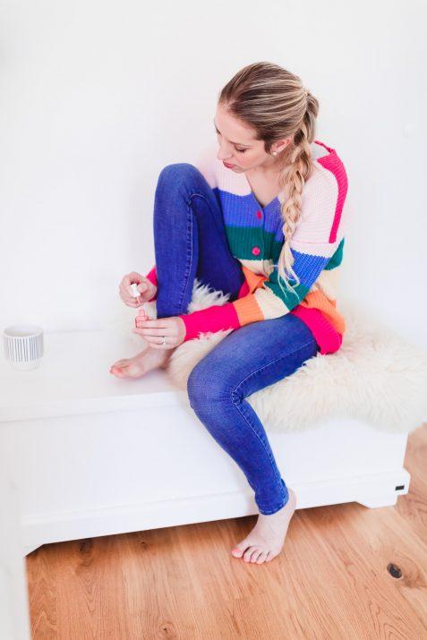 regenbogen_cardigan_me_time_fashionblonde